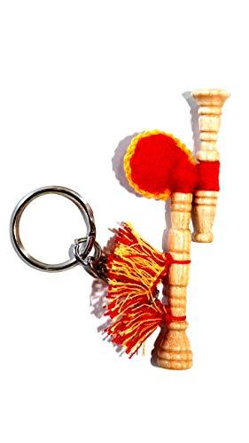Gaita gallega de llavero, en madera de fresno lacada al natural, fuelle de fieltro rojo con fleco y un pequeño aro porta llaves,ideal para gallegos nostálgicos por el mundo.