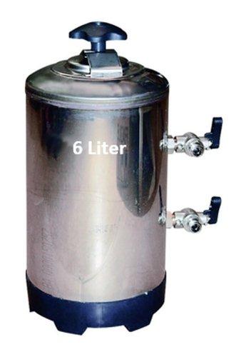 Wasserenthärter Entkalker 6 Liter - für Espressomaschine, Geschirrspülmaschine, Aquarium - kompakte Bauhöhe