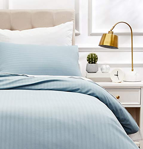 AmazonBasics - Juego de ropa de cama con funda nórdica de microfibra y 1 funda de almohada - 135 x 200 cm, azul spa