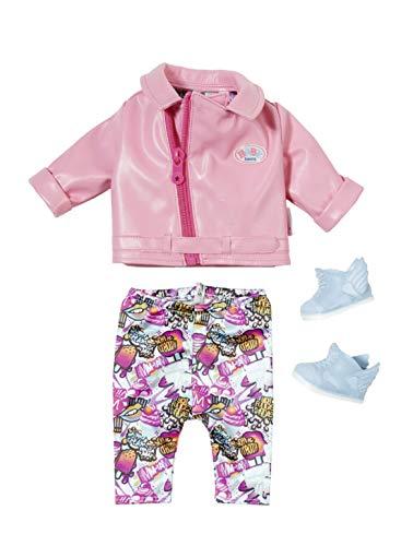 Baby Born Deluxe Scooter Outfit voor Poppen van 43 cm - Bevordert Creativiteit, Empathie & Sociale Vaardigheden, Vanaf 3 Jaar - Roze Jasje van Nepleer, Legging & Blauwe Sneakers met Vleugeltjes