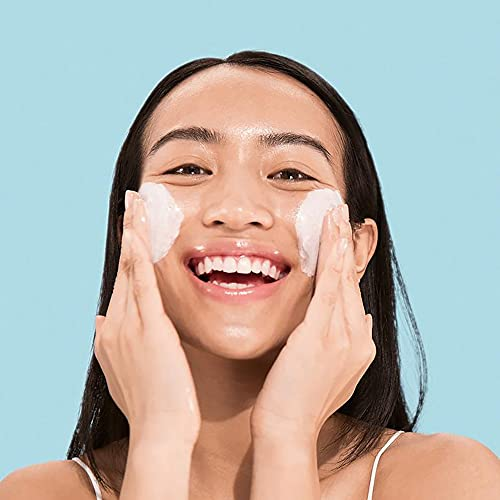 innisfree Clarifying Cleansing Foam with Bija Seed Oil Face Cleanser