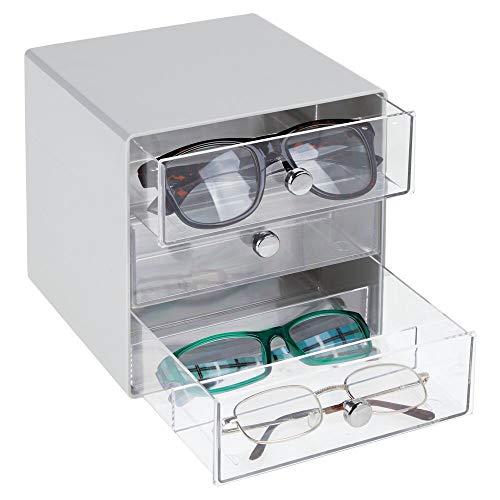mDesign Cajas para gafas de sol – Cajoneras de plástico con 3 compartimentos – Organizador de armarios para guardar todo tipo de gafas – transparente y gris
