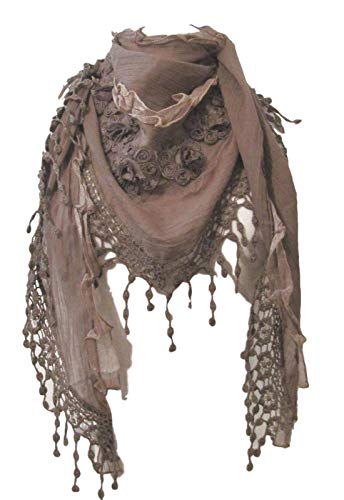 Closet Full of Clothing Triángulo bufanda