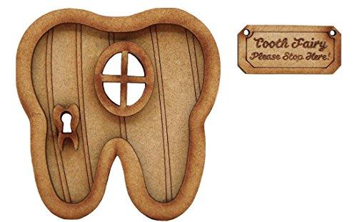"""Puerta para el ratoncito Pérez. Kit de montaje tridimensional para una puerta y un letrero con la leyenda en inglés """"Tooth Fairy"""""""