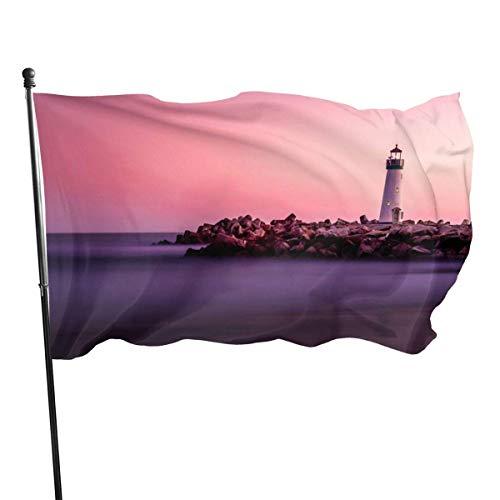 DDOBY Coast Lighthouse Purple Sky Fly Breeze Drapeau en Polyester de 3 x 5 Pieds, Drapeaux de Plage durables résistants à la décoloration avec en-tête et œillet en Laiton, Facile à Utiliser