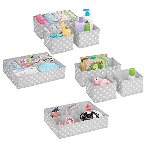 mDesign 8er-Set Aufbewahrungsboxen Stoff – Schubladenboxen mit insgesamt 26 Fächern – Kinderschrank Schubladen Organizer für Kleidung, Kosmetik, Windeln, Tücher, Lotion etc. – grau/weiß