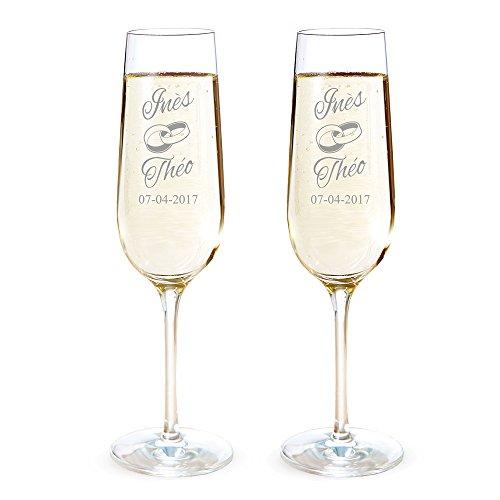 AMAVEL Set de 2 Flûtes à Champagne avec 2 Anneaux, Personnalisées avec 2 Prénoms et 1 Date, Volume 0,2 L