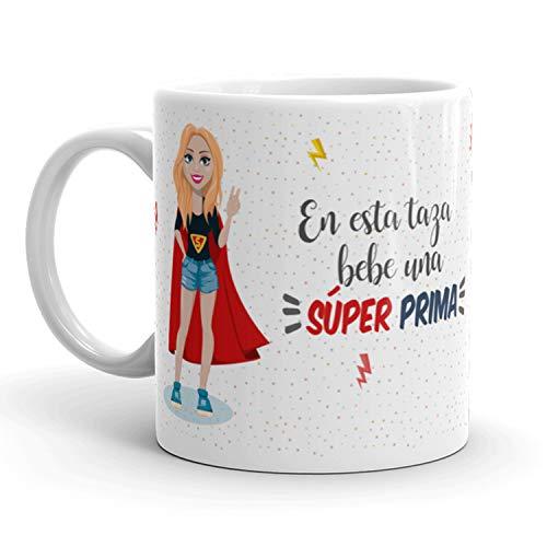 Kembilove Taza de Café para Prima – Aquí Bebe una Super Prima – Taza de Desayuno para Familia – Regalo Original para Familiares, Navidad, Aniversarios – Taza de Cerámica de 350 ml