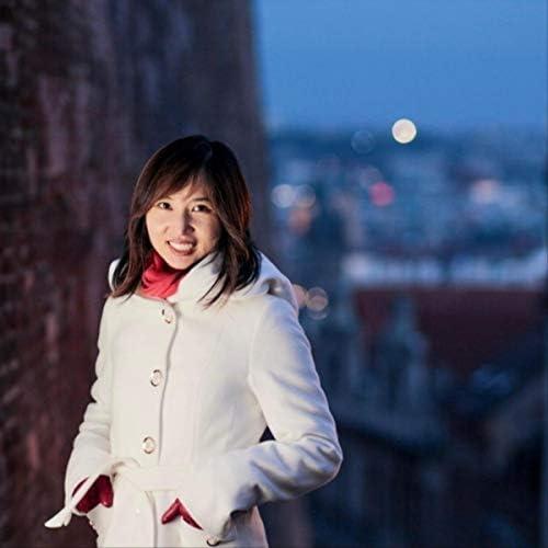 Yoomi J. Kim