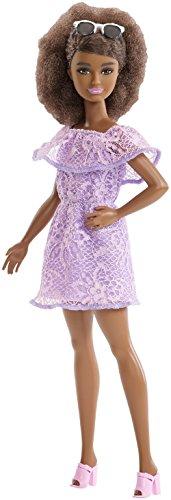 Barbie Fashionista, muñeca 32cm petite con look con vestido morado de encaje (Mattel FJF53)