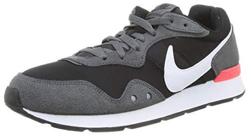Nike Mens Venture Runner Sneaker, Black/Iron Grey-Flash Crimson, 45 EU