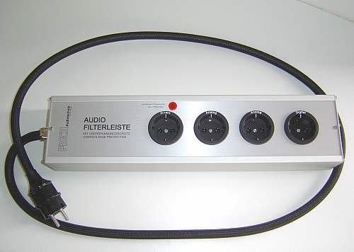 Fisch Audiotechnik Audio-Filterleiste AFL | Steckplätze: 4 (1 Direkt, 2 Analog, 1 Digital) | Anschlußkabel: 1,5 m | Farbe: Alu Natur