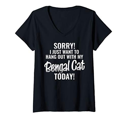Womens I Just want to hang out with my Bengal Cat V-Neck T-Shirt