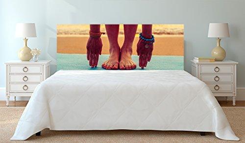 Cabecero Cama PVC Impresión Digital Pies y Manos sobre Toalla Playa de Fondo Multicolor 200 x 60 cm | Disponible en Varias Medidas | Cabecero Ligero, Elegante, Resistente y Económico