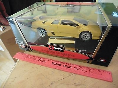 Retired Burago 1/18 1990 LAMBORGHINI DIABLO Yellow Diecast Model Exotic Car
