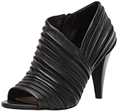 Classic Cone heel shape Peep toe, great for transition