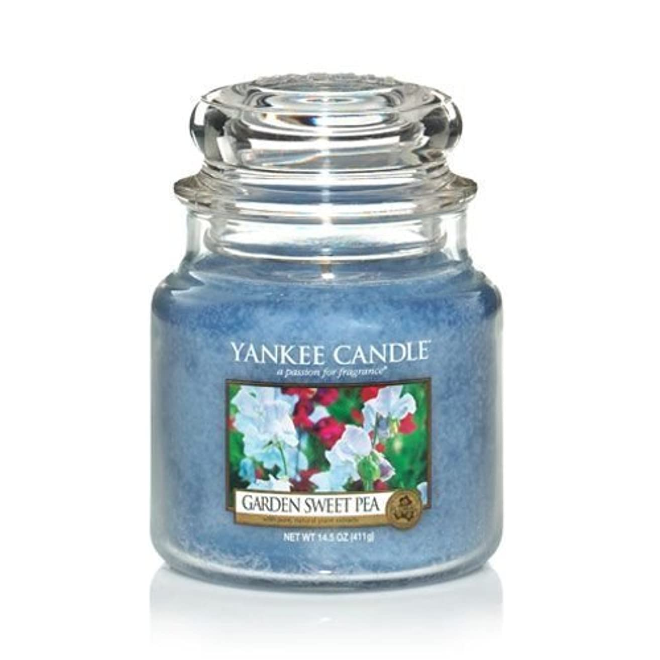 チャネルに賛成愛されし者Yankee Candle 14.5 Oz Jar Candle Garden Sweet Pea by Yankee Candle [並行輸入品]