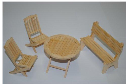 alles-meine.de GmbH Set : Gartenmöbel 2 Stühle , Bank und 1 Tisch Holz Möbel Set Nostalgie beige - Maßstab 1:12 - Puppenstube / Puppenhaus - Küchenmöbel - Wohnzimmermöbel - Garte..