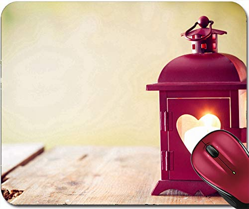 Mousepad Dekorative Rote Metalllaterne Mit Einem Herzausschnitt,Der Von Einer Leuchtenden Kerze 30X25CM Beleuchtet Wird,Rutschfeste Unterseite,Maus Mausunterlage