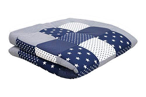 ULLENBOOM ® Baby Krabbeldecke 140x140 cm Blaue Sterne (Made in EU) - Krabbeldecke gepolstert mit 100% ÖkoTex Baumwolle, ideal als Laufgittereinlage, Spieldecke, Motiv: Punkte, Sterne & Patchwork