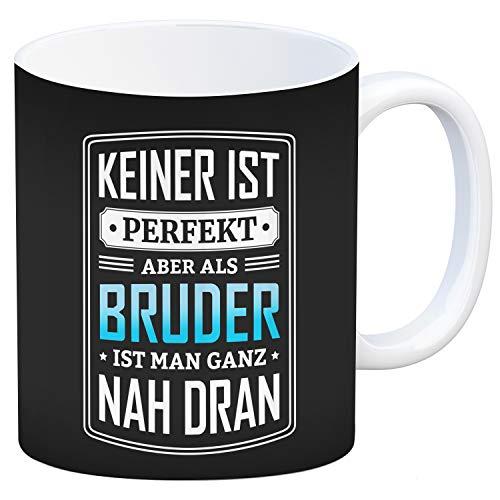 trendaffe - Kaffeebecher mit Spruch: Keiner ist perfekt, Aber als Bruder ist Man nah dran