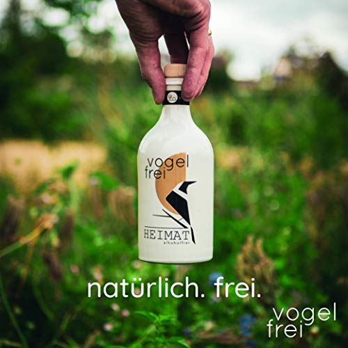 VOGELFREI alkoholfreie Gin Alternative mit 21 fruchtigen Botanicals aus der HEIMAT Destille wie Zitronenverbene, Thymian, Wiesensalbei und Wacholder - Handcrafted (1 x 0,5l) - 4