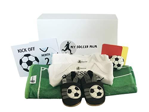 Coffret cadeau pour nouveau-né pour un futur fan de football. Kit complet de luxe pour un nouveau bébé garçon ou fille unisexe. Le cadeau parfait pour les nouvelles perles qui aiment le football!