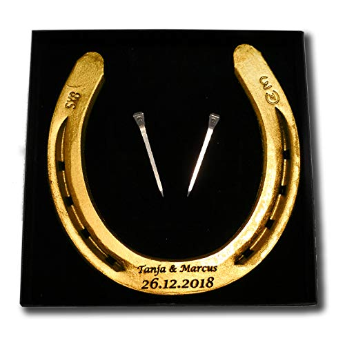 Hufeisen mit Wunschgravur aus schwerem Eisen, original Pferdehufeisen graviert, goldfarben lackiert, personalisiert Glückshufeisen für Hochzeit oder Einzug