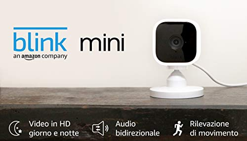 Blink Mini - Videocamera di sicurezza intelligente per interni, plug-in, compatta, con video in HD a 1080p, rilevazione di movimento, compatibile con Alexa – 1 videocamera