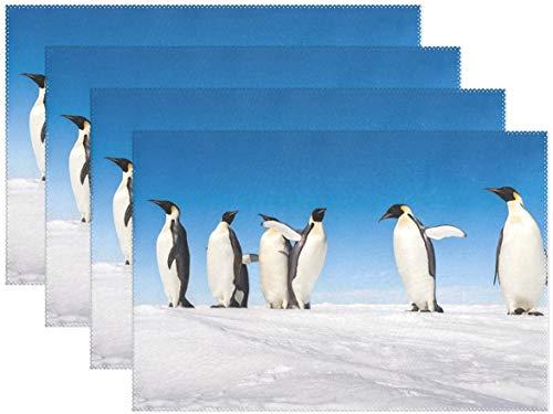 HEOH Manteles Individuales de 12 x 18 Pulgadas, Juego de 6, Cute Emperor Penguin Winter Snow Table Mat, Mesa de poliéster para Cocina, Comedor para niños
