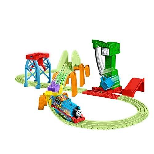 Thomas & Friends Trackmaster Hyper Glow Night Delivery Playset GGL75, Thomas the Tank Engine & Friends, brani incandescenti, Cranky The Crane, multicolore