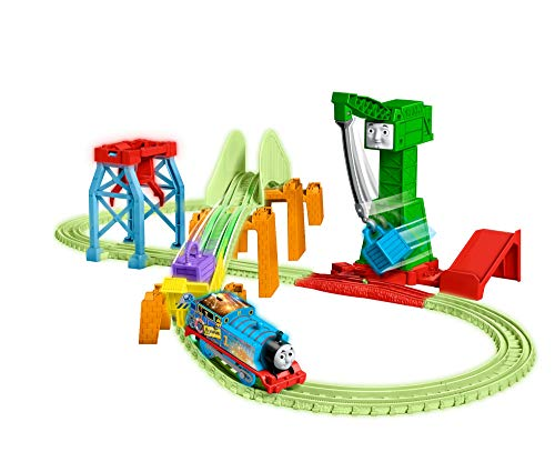 Thomas & Friends- Trackmaster Hyper Glow Night Delivery Playset, Thomas el Motor del Tanque y Amigos, Piezas de Pista Brillantes, Cranky The Grane, Multicolor (Mattel GGL75)