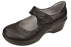most comfortable walking shoes for women