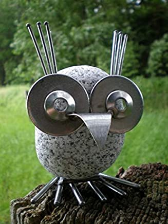 Gartenfigur Frosch Fabian mit Herz aus Edelstahl und Naturstein Gartendeko