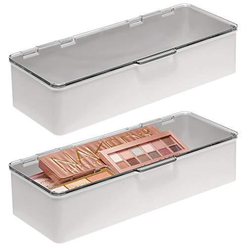 mDesign Stapelbare Box für Badezimmer, Schminktisch-Aufbewahrung, Haar-Accessoire, Organizer-Box mit Scharnierdeckel für Make-up, Schönheit, Haare, Nagelzubehör – 2 Stück – transparent/hellgrau