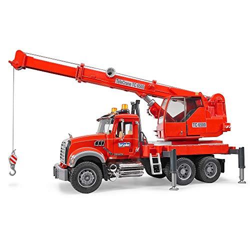 BRUDER - 02826 - Camion MACK Granite avec grue intégrée et module son et lumière - Rouge