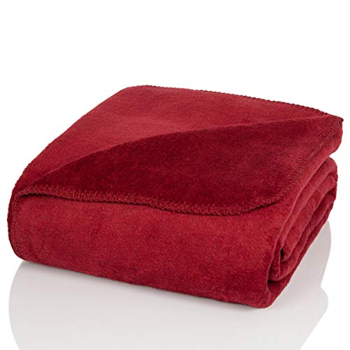 Glart - Manta XL de lana suave y gran capacidad térmica, mullida felpa para acurrucarse o cubrir el sofá, 150 x 200 cm, rojo burdeos