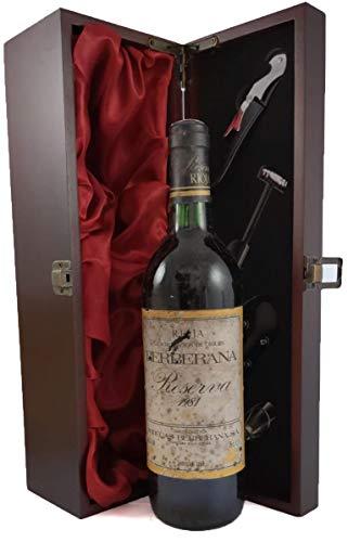 Rioja Reserva 1981 Berberana en una caja de regalo forrada de seda con cuatro accesorios de vino, 1 x 750ml