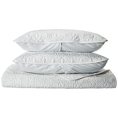 Madison Park Quebec Dusty Pale White 3-Piece Quilted King Coverlet Set—For King or Cal King Bed –Ideal For Warm Climate Room Décor or Add-on For Extra Warmth
