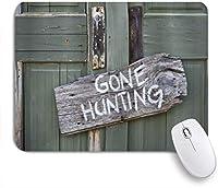 NIESIKKLAマウスパッド 木の板に書かれた狩猟を行った ゲーミング オフィス最適 高級感 おしゃれ 防水 耐久性が良い 滑り止めゴム底 ゲーミングなど適用 用ノートブックコンピュータマウスマット