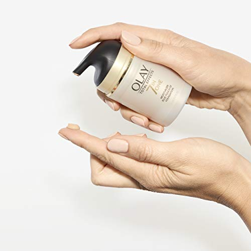 41WsCTkWxRL - Olay Total Effects Daily Moisturizer + Touch of Foundation, 1.7 Fl. Oz (Pack of 1)