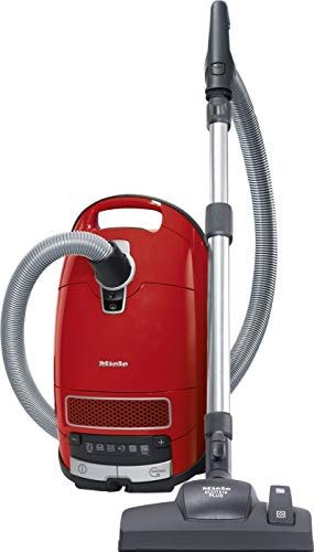 Miele Complete C3 Red EcoLine Bodenstaubsauger (mit Beutel, 550 Watt, 12 m Aktionsradius, 4,5 Liter Staubbeutelvolumen, Comfort-Handgriff, AirClean Plus Filter) rot