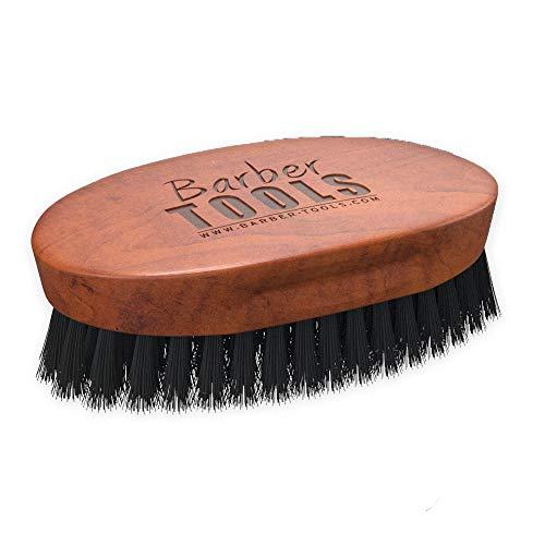 Brosse à barbe et moustache de grande qualité. Fabriquée avec du bois d'hêtre et 100% de poils de sanglier. Elle est idéale pour l'utilisation d' huile, de baume, de cire de barbe. ✮ BARBER TOOLS ✮