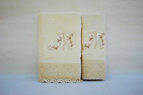 (M). Juego de 3 toallas beije(100x150, 50x100, 50x30) LETRAS INICIALES BORDADAS, 100%algodón,, fabricado en Portugal.