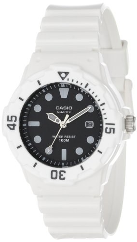 Casio Women's LRW200H-1EVCF 'Dive Series' Dive Watch