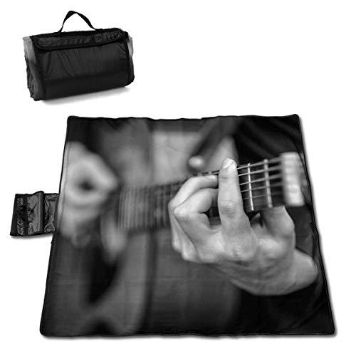 Olie Cam Young Man Play On The Guitarra acústica Manta de Picnic con Handcarry Impermeable al Aire Libre Picnic Mat