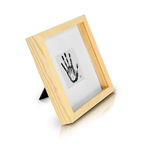Classic by Casa Chic - Quadratischer Box-Bilderrahmen aus Echtholz - Pinie Natur - 23x23 cm und 4,5 cm tief - Sicherheitsglas - mit 10x10 cm Passepartout - 3D Objektbilderrahmen - Rahmenbreite 2cm
