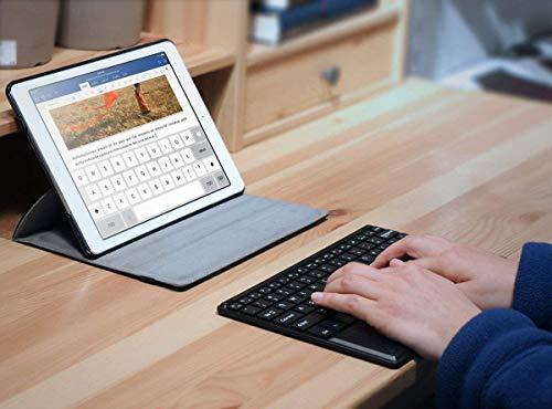 1 BY ONE Bluethooth Tastatur, QWERTZ Deutsche Laptop Tastatur, Tragbare Kabellose Tastatur, Tablet Tastatur, PC Tastatur Kompatibel mit Android Windows IOS, mit Touchpad, Schwarz