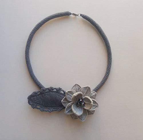 collar flor y hoja de ganchillo