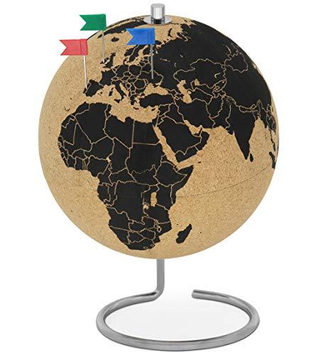 FeinKnick drehbarer Korkglobus mit 24 unterschiedlichen Pinnadeln - Globus aus Kork 26cm hoch - stilvolle Weltkugel als Geschenkidee für Weltenbummler - Kork Globus